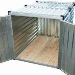 Storage container in kit equipped with opened double-door